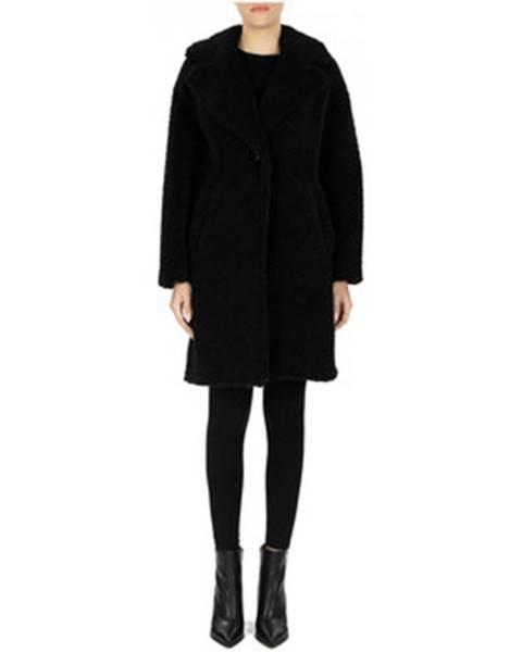 Čierny kabát Luckylu