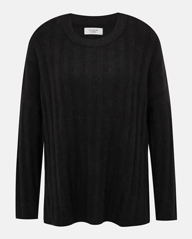 Čierny sveter s prímesou vlny  Nine