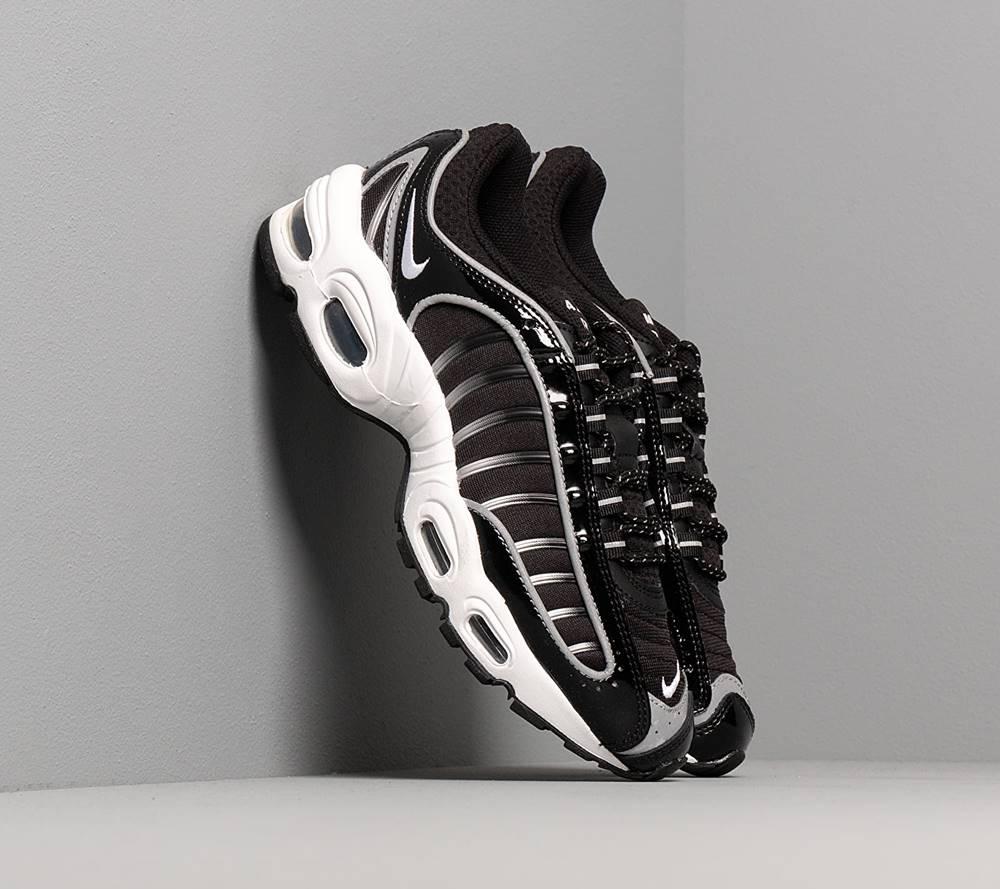 Nike Nike W Air Max Tailwind IV NRG Black/ White