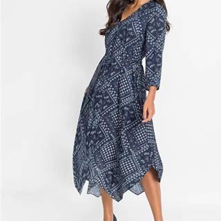 Šaty s cípmi