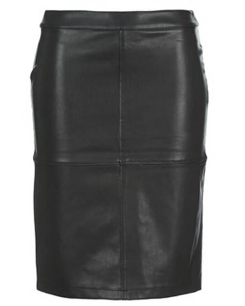 Čierna sukňa Vila